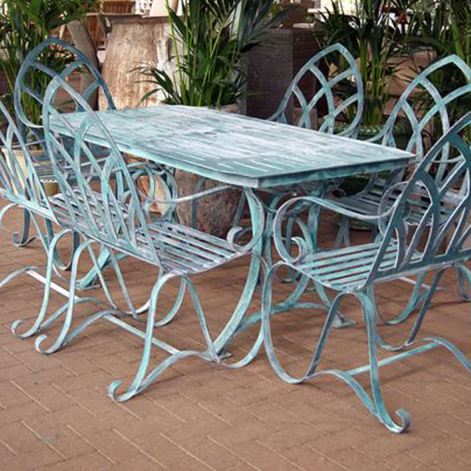 Why you should buy cast aluminum garden furniture for Best buy patio furniture